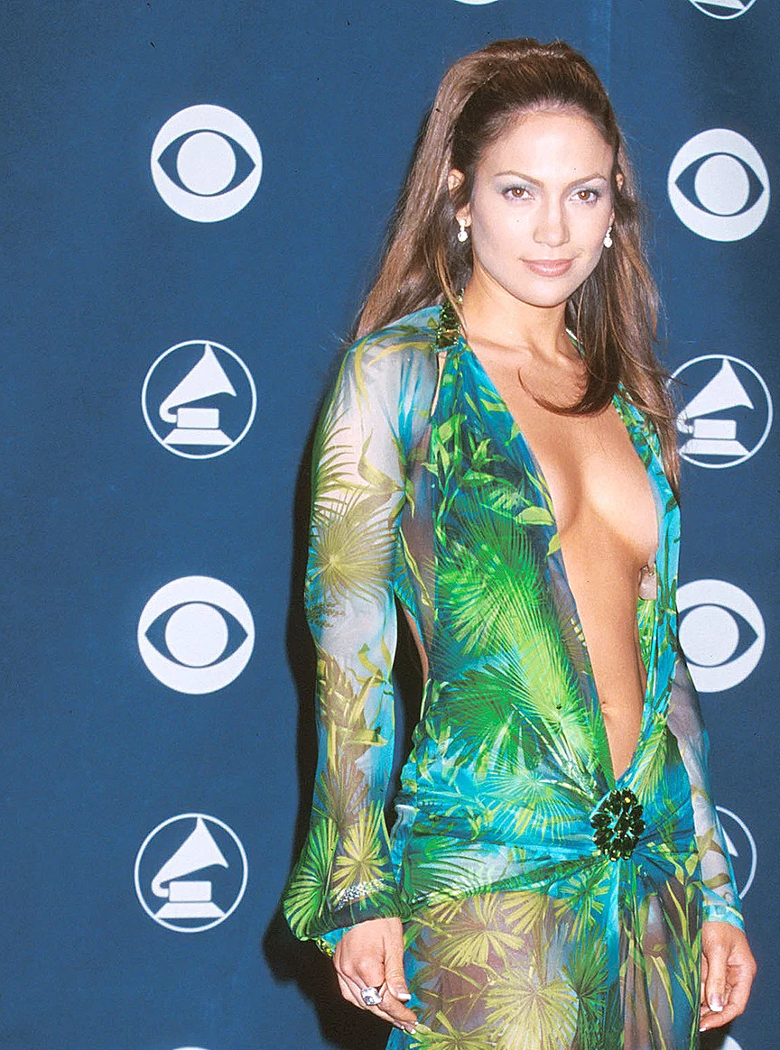slika haljine dzenifer lopez koja je izazvala stvaranje google images servisa